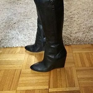 Boots lightly used like brand new wedge heel